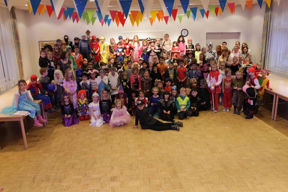 Mehr als 100 Kinder hatten Spaß auf der ersten Party!